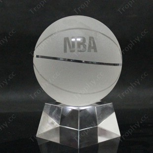 http://www.trophy.cc/basketball-crystal-glass-trophies-awards-paperweight-gifts/pictures/NBA-Bastetball-crystal-glass-paperweight-souvenir.jpg