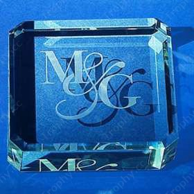Briefbeschwerer aus Glas graviert Quadrat